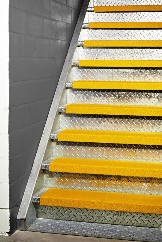 Pannelli antiscivolo su misura per gradini